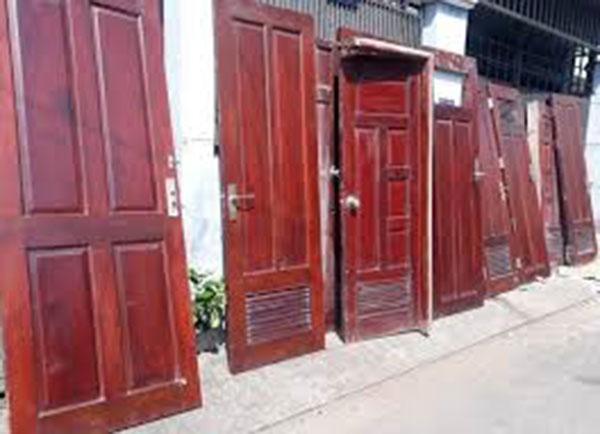 Thu mua cửa gỗ thanh lý giá tốt