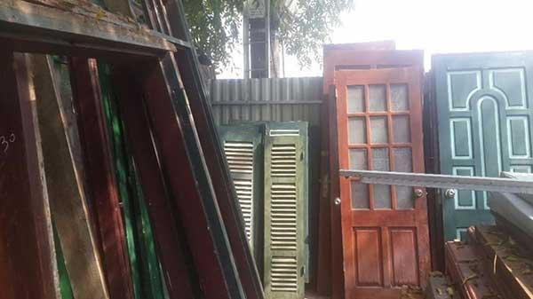 Dịch vụ thu mua cửa gỗ tận nơi