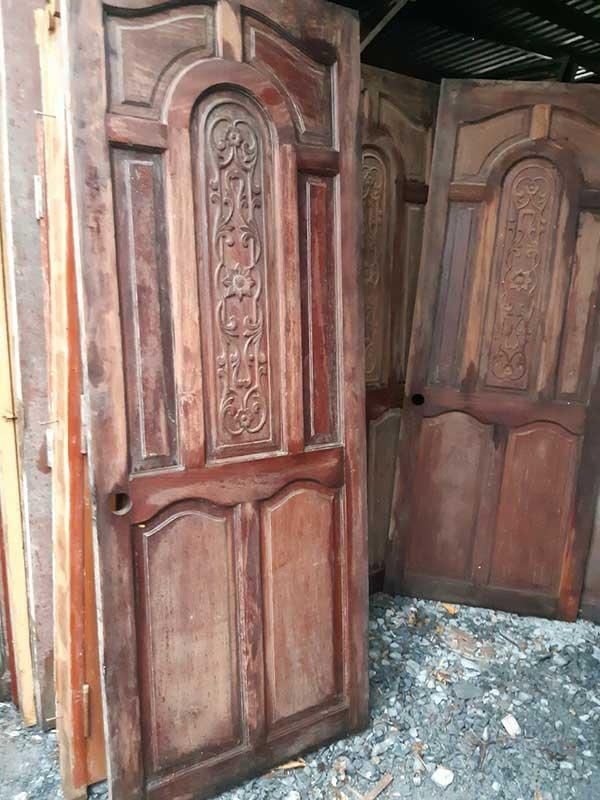 Quy trình thu mua cửa gỗ chuyên nghiệp