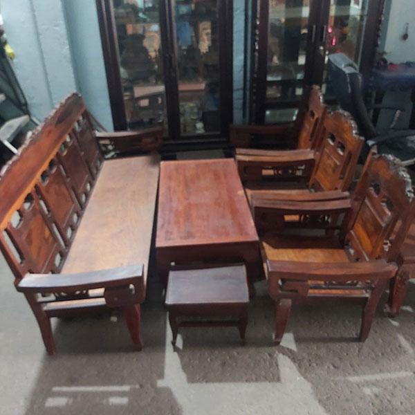 Mua bàn ghế gỗ thanh lý giá tốt