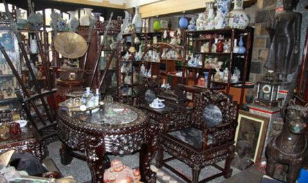 Cửa hàng mua đồ gỗ cũ