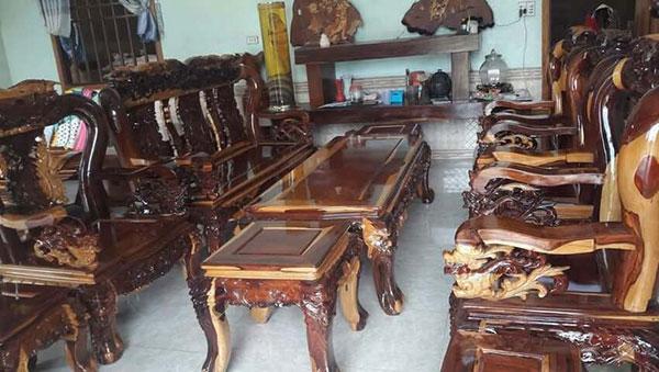 Mua bàn ghế cũ từ các loại gỗ xưa