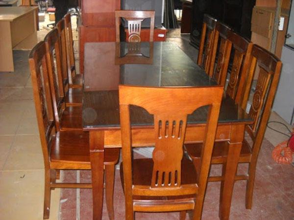 Nhận thanh lý bàn ghế gỗ cũ cho phòng ăn gia đình
