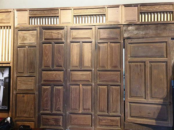 Thu mua cửa gỗ cũ thanh lý