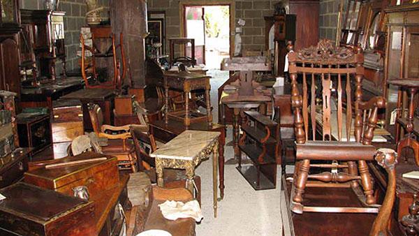 Thu mua thanh lý các loại bàn ghế gỗ cũ